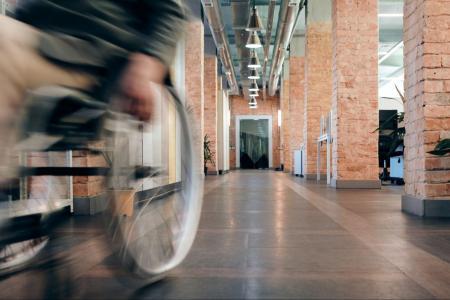 Quelle obligation du bailleur pour un locataire handicapé ?